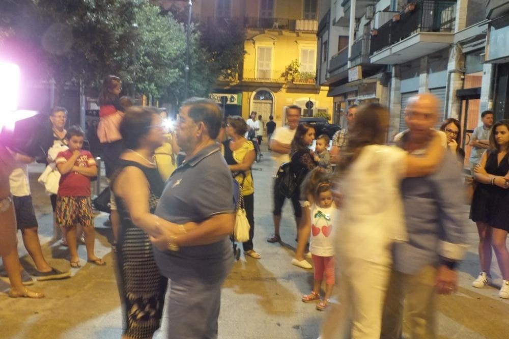 La serenata organizzata al centro della città di Bari