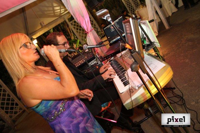 Formazione base composta da due elementi per la musica e animazione matrimoni in Puglia