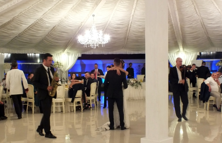 musica con il violino in sala durante un matrimonio a Lecce
