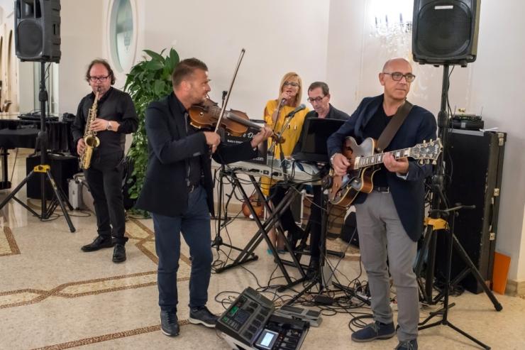 gruppo per matrimoni con sax e violino matrimonio Lecce