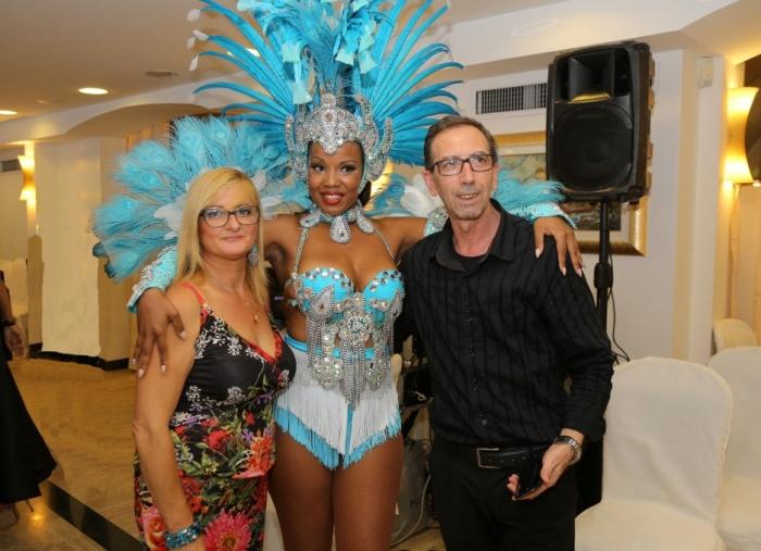 spettacolo di Ballerine brasiliane per animazione del matrimonio