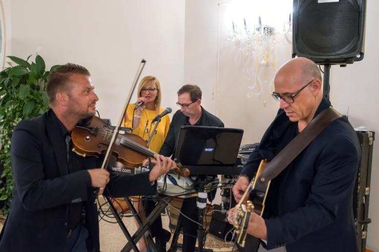 Band musicale violino e sax matrimonio Lecce