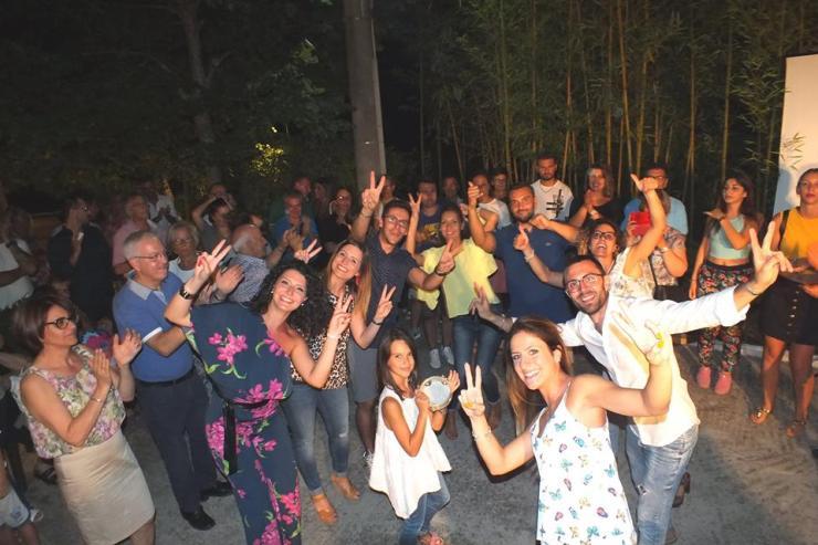 In Provincia di Brindisi a Latiano va in scena la serenata dedicata alla sposa