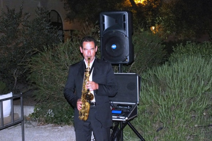 musica con il sassofonista durante un matrimonio a Lecce