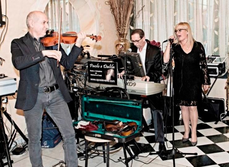 Trio musicale con il violino