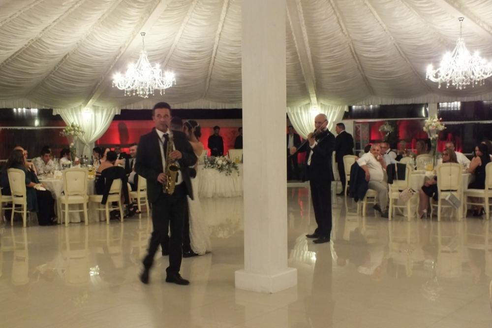 Band violino e sax per musica matrimonio Lecce