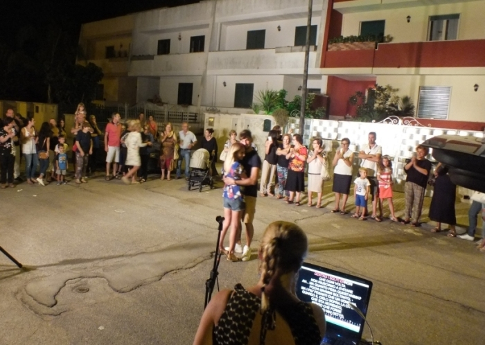 provincia di Lecce la serenata alla sposa