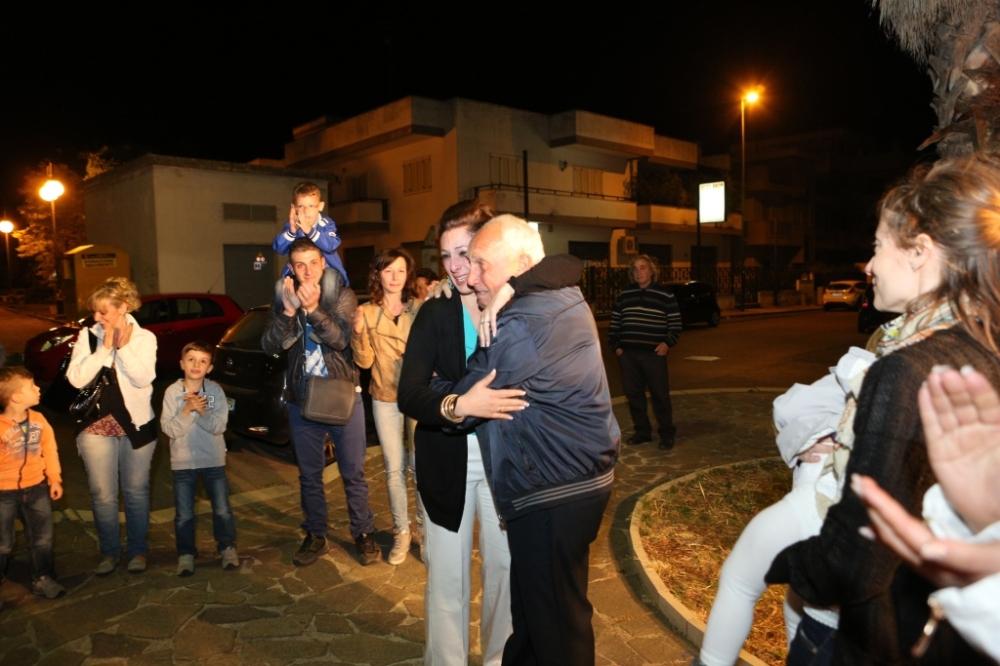 sorpresa della serenata prematrimonio a Lecce