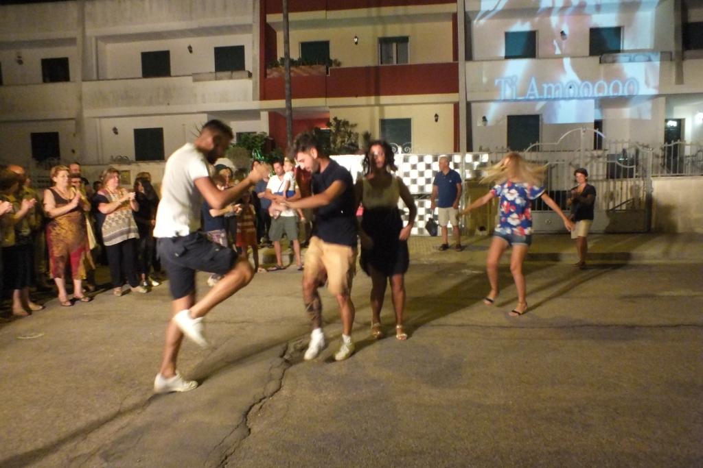 Paolo e Dalila Live animatori e musicisti per la serenata a Lecce e Provincia