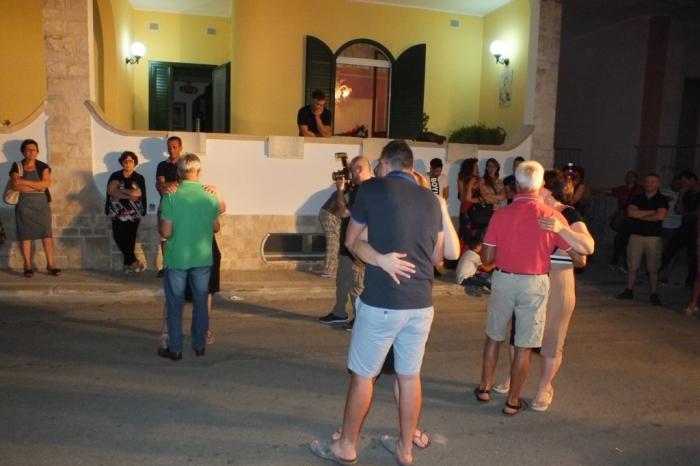 dedciata alla futura sposa la serenata Perticolare a Lecce