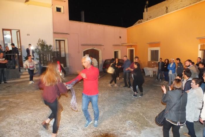 A Lecce si organizza una serenata particolare dedicata alla futura sposa