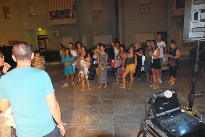 Taranto, la serenata per la sposa