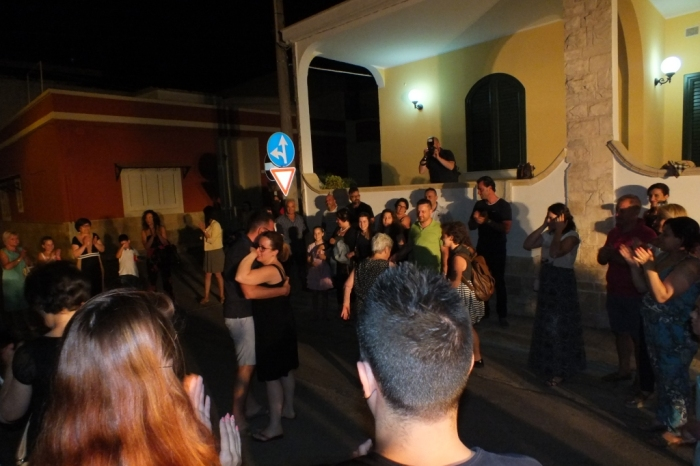 a Lecce alla sposa si organizza la serenata