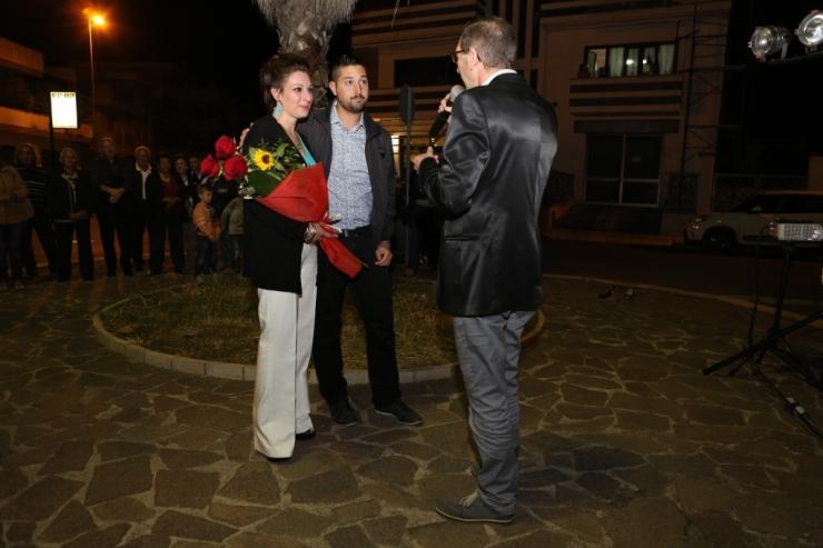 Lecce, lo sposo organizza la serenata a sorpresa alla sposa