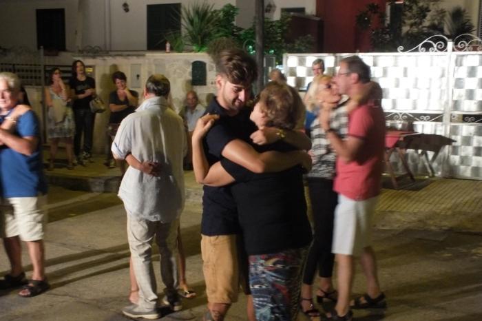 Come organizzare una sorpresa alla sposa a Lecce e Provincia, Poalo e Dalila Live organizzano la Serenata Evento, unica in Puglia