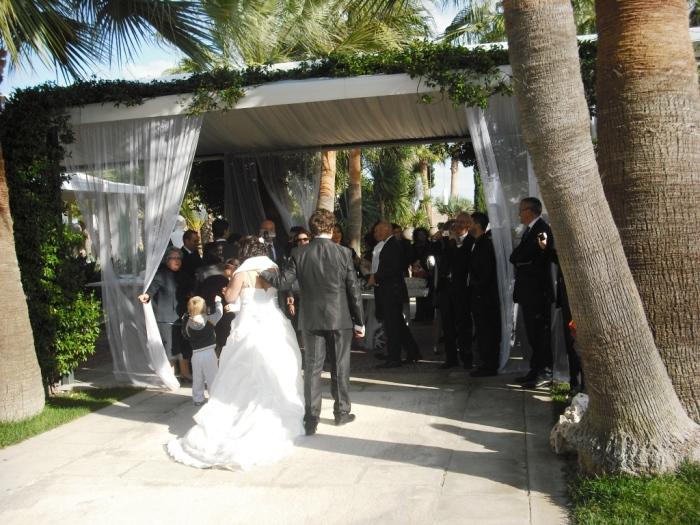 Sposi presso la sala ricevimenti Plenilunio alla Fortezza a Mola di Bari con la musica del gruppo di Paolo e Dalila Live