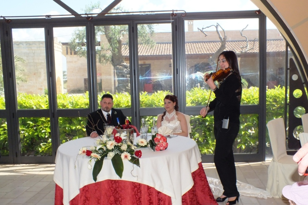 Paolo e Dalila Live e violinista Carla De Fabrizio musica matrimonio Lecce
