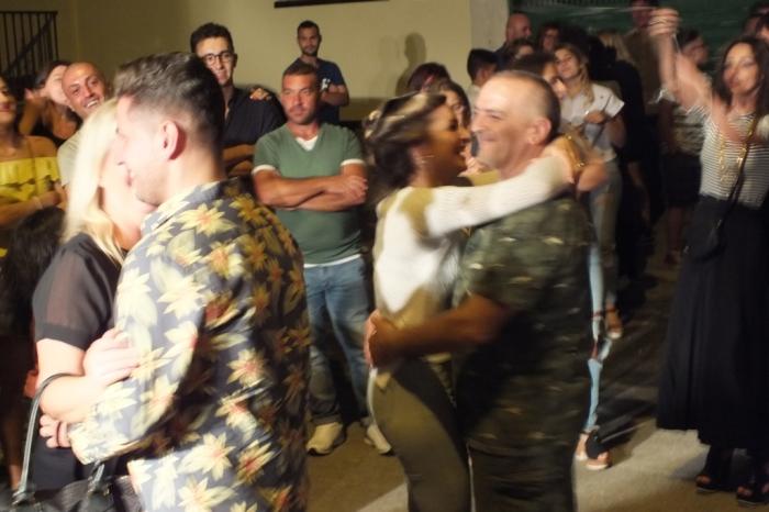 Paolo e Dalila Live musicisti che hanno realizzato la serenata alla sposa a Gravina in Puglia in provincia di Bari