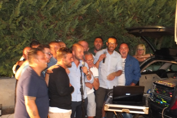 A Taranto e Provincia la sera prima del matrimonio si organizza la serenata