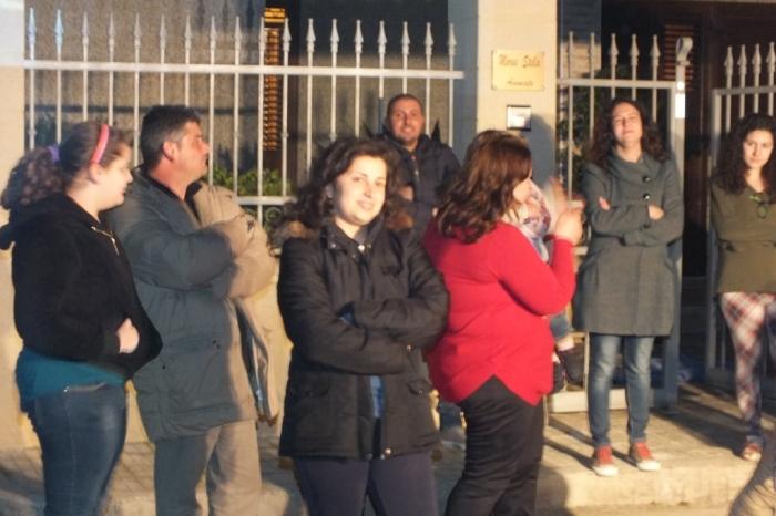 Gruppo di musicisti che organizzano la serenata alla sposa a Lecce
