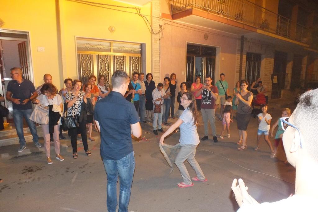Paolo e Dalila Live suonano durante la serenata dedicata alla sposa a Trepuzzi Lecce