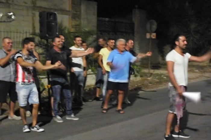 Organizzare a Lecce la serenata in stile innamorato pazzo tratta dal film di Adriano Celentano
