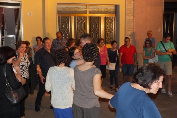 Paolo e Dalila Live durante la serenata alla sposa fatta a Trepuzzi-Lecce