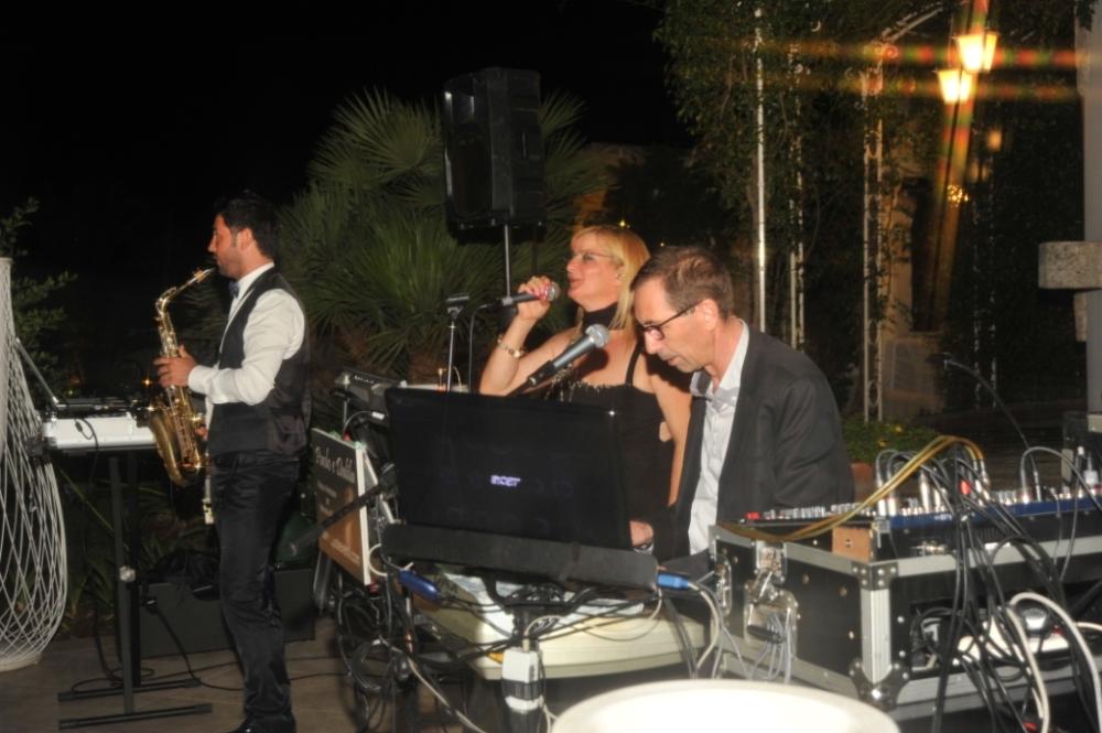 Specializzati in musica per matrimonio Lecce Paolo e Dalila Live band con sax e violino
