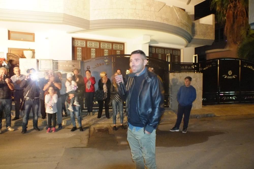 musica per la serenata a Lecce organizzata dallo sposo