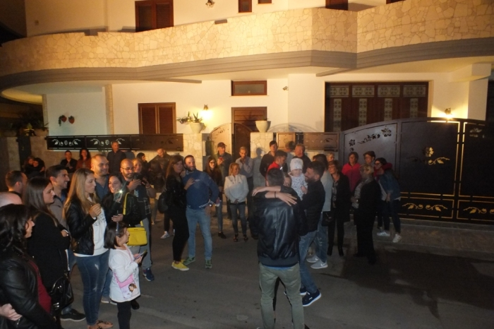 Melissano in Provincia di Lecce la serenata per la sposa organizzata dal gruppo musicale di Lecce, Paolo e Dalila Live