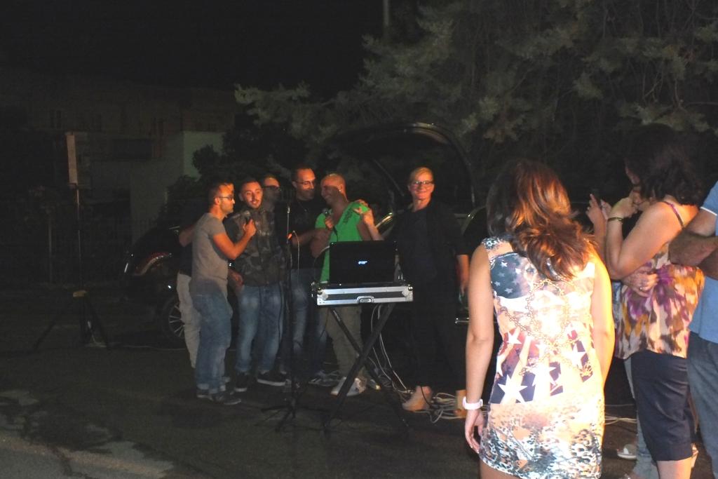 Musicisti che organizzano la serenata alla sposa a Brindisi