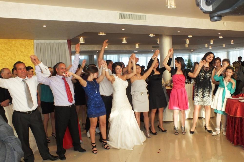 Blubay a Castro matrimonio con la musica del gruppo di Paolo e Dalila Live