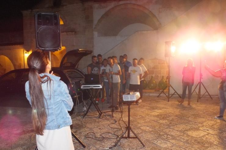 Gruppo musicale che organizza la serenata a Lecce