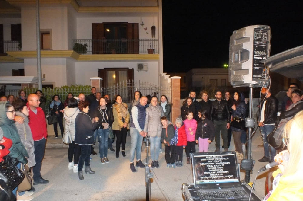 Paolo e Dalila Live musicisti per organizzare la sorpresa della serenata a Taranto