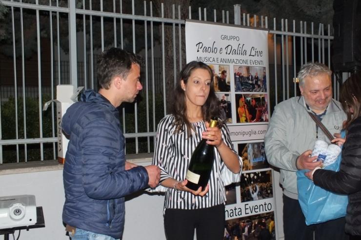 in provincia di Bari la sera prima del matrimonio si organizza la sorpresa della serenata