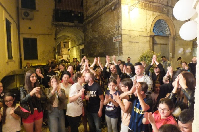 Organizzare una serenata speciale nella città Vecchia di Bari