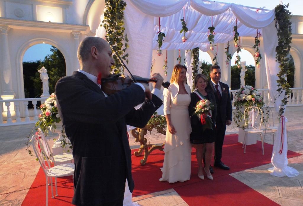 Violinista per la cerimonia del matrimonio alla tenuta montenari