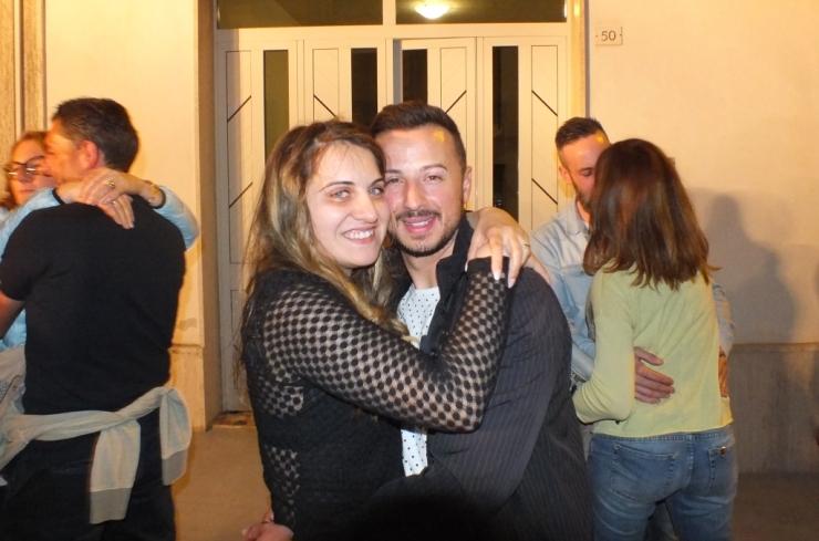 Martano in provincia di Lecce, lo sposo organizza la serenata per la sposa