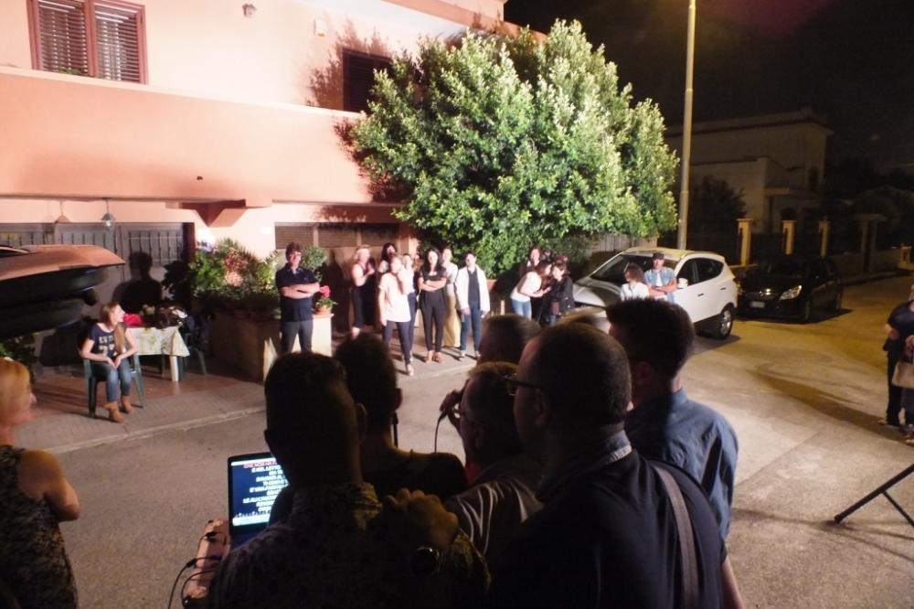 La serenata organizzata a Taranto per fare una sopresa alla sposa