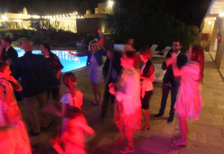 Masseria Relais Santa Teresa dj set a bordo piscina per il matrimonio