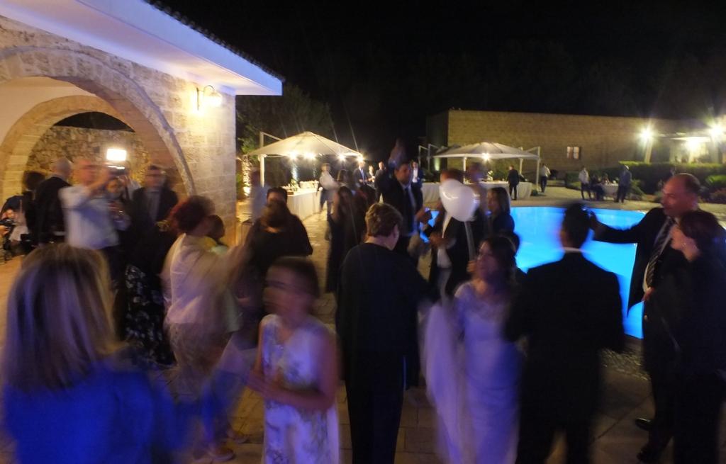 Animazione matrimonio a bordo piscina presso la masseria relais Santa Teresa a Sannicola in Provvincia di Brindisi