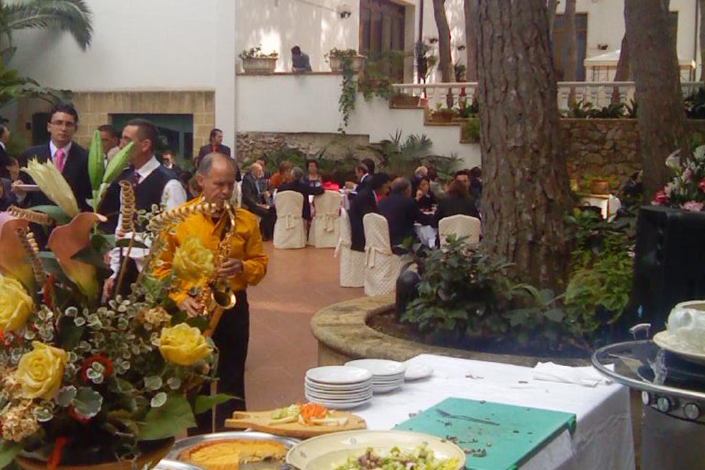 musica matrimonio con il sax al'Eden park Hotel