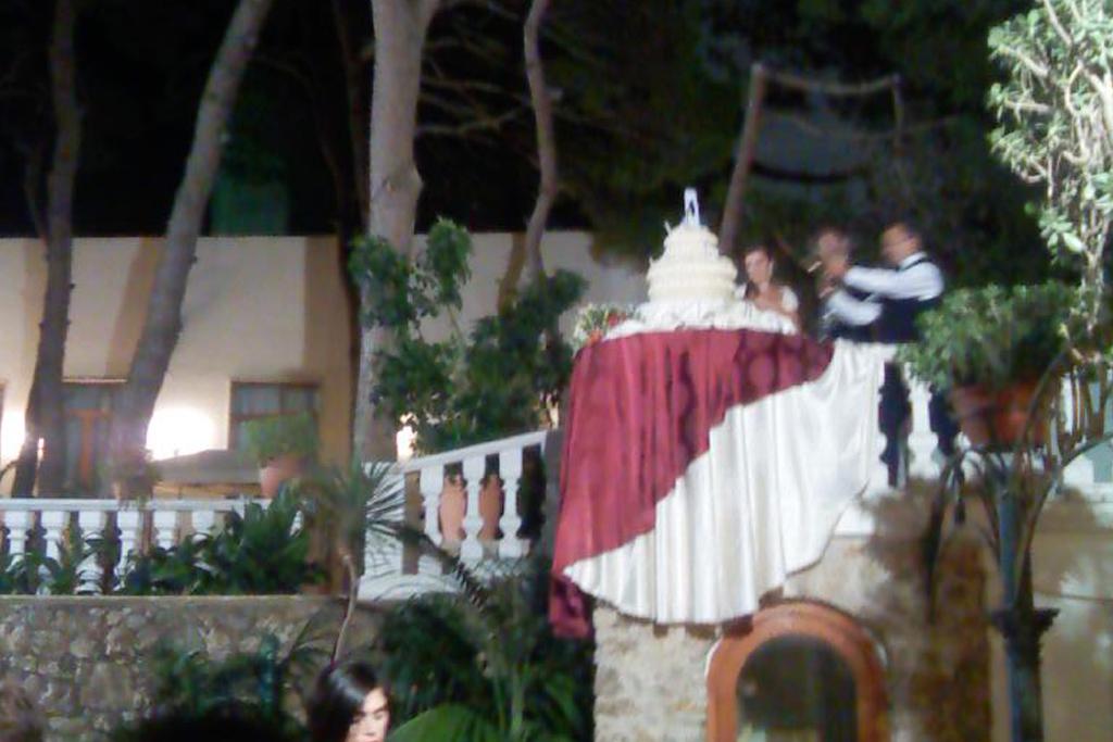 Musica per il taglio della torta durante il matrimonio a Taranto