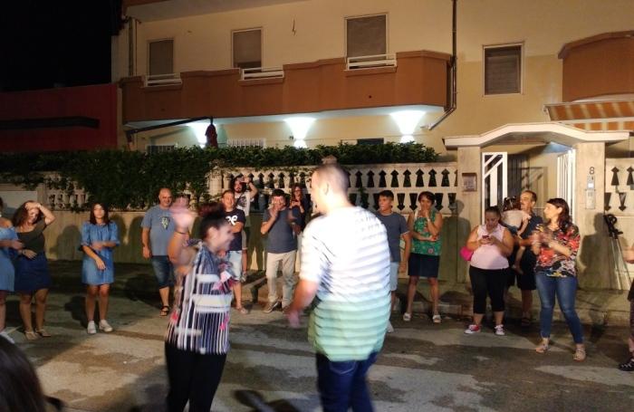 In provincia di Taranto a Roccaforzata si organizza la serenata alla sposa