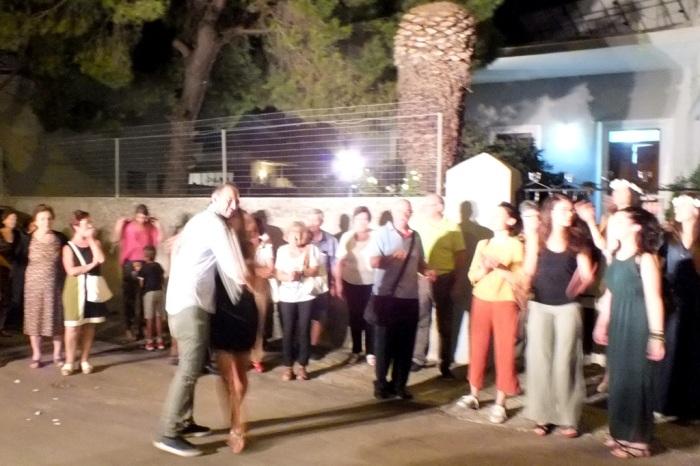 La sera prima del matrimonio in Provincia di Lecce si organizza la serenata