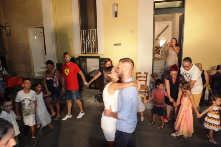 serenata dello sposo alla sposa a Presicce (Lecce)