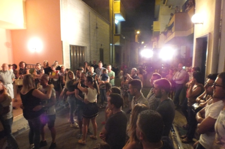 serenata alla sposa organizzata a Neviano