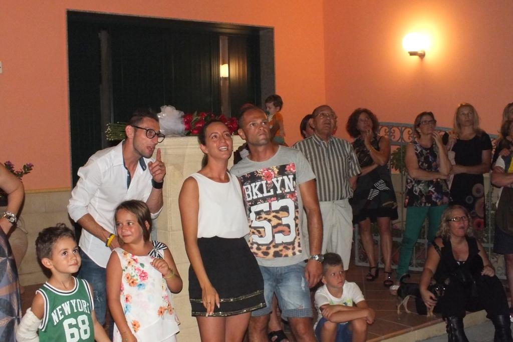 Lecce la serenata dedicata alla sposa
