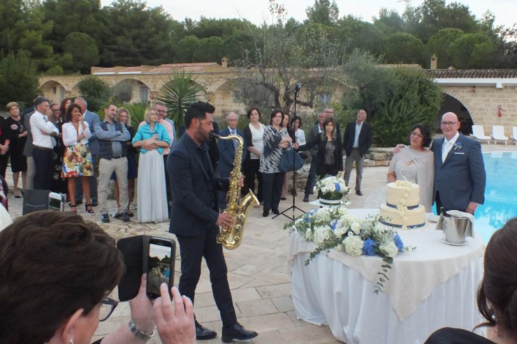 sax per musica taglio torta al matrimonio