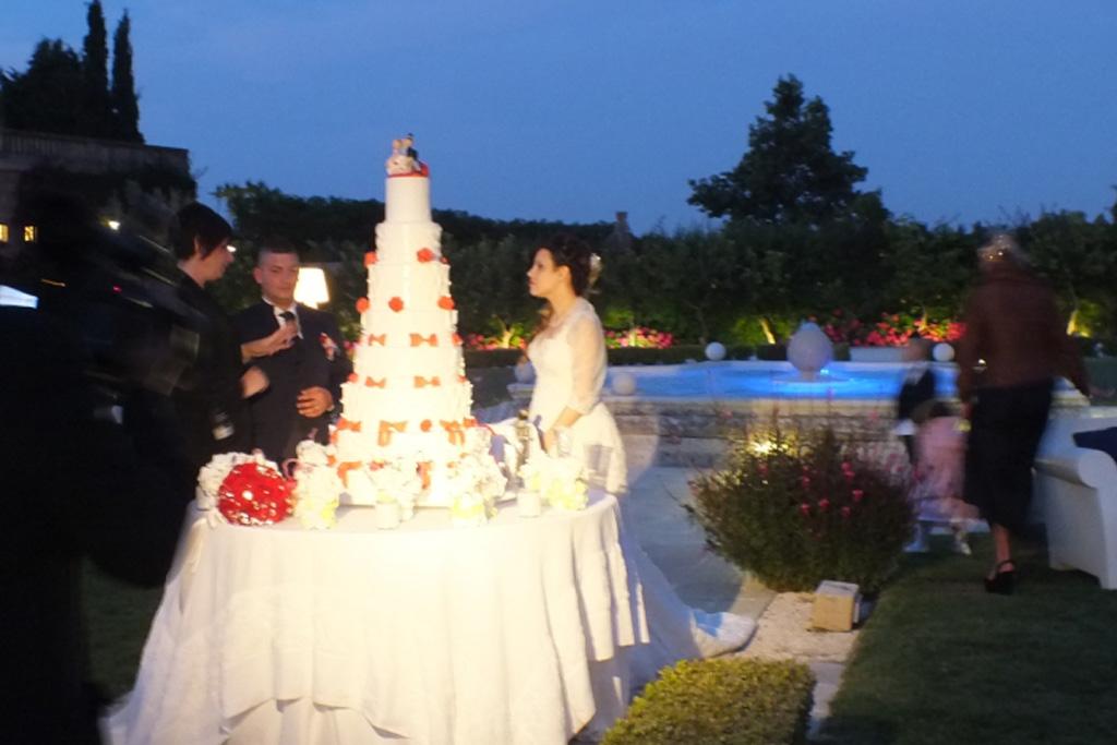 Castello Monaci taglio torta degli sposi
